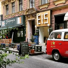 Where To Go, Vienna, Travel, Eating Ice Cream, People, Places, Viajes, Destinations, Traveling
