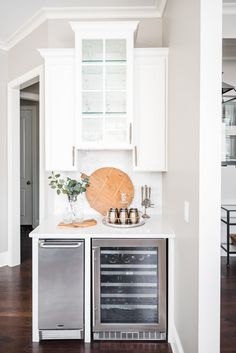 Gorgeous white kitchen with a blue island from superstar Interior Designer in Waxhaw, NC Sara Lynn Brennan Transitional Living Rooms, Transitional Decor, Transitional Kitchen, Bathroom Layout, Kitchen Layout, Kitchen Ideas, Interior Design Kitchen, Interior Decorating, Gold Kitchen