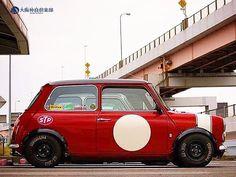 静寂 in Kyobashi Mini Cooper Custom, Mini Cooper Classic, Classic Mini, Classic Cars, Mk1, My Dream Car, Dream Cars, Mini Morris, Mini Copper