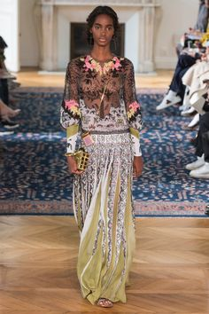 Valentino Spring 2017 Ready-to-Wear Fashion Show - Tami Williams (Elite)