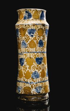 A Hispano-Moresque lustre pottery albarello, Spain, Valencia, probably Manises, 1425-50 | lSotheby's