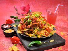Loaded nachos Tex Mex, Nachos, Bruschetta, Food Styling, Salsa, Pizza, Baking, Ethnic Recipes, Cook