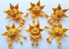 Il sole OCCORRENTE:  Procuratevi il giallo, taaaanto giallo!  Se volete aggiungere la bocca, filo nero.  Occhi di sicurezza o qualsiasi cosa u...
