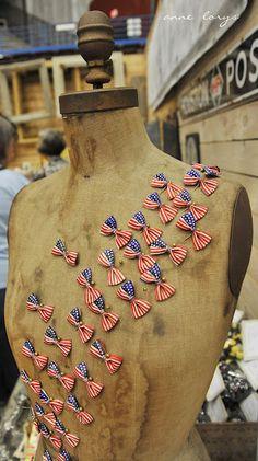 Love this patriotic dress form!