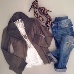 dressing up casual outfit w/ leopard heels and layered statement necklace