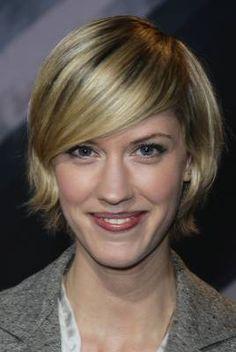 Lauren Lee Smith - short hair