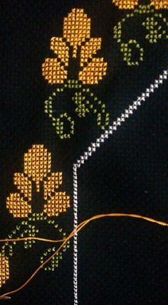 1 million+ Stunning Free Images to Use Anywhere Funny Cross Stitch Patterns, Cross Stitch Borders, Easy Crochet Patterns, Cross Stitch Designs, Needlepoint Stitches, Needlework, Embroidery Art, Embroidery Stitches, Free To Use Images