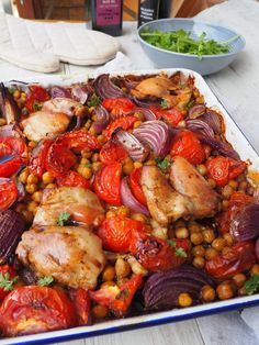 A pan of balsamic chicken recipe Lyndi Cohen. Simple Healthy Dinner R . - A pan of balsamic chicken recipe Lyndi Cohen. Simple healthy dinner recipes For W … - Healthy Recipes On A Budget, Healthy Meal Prep, Easy Healthy Dinners, Healthy Breakfast Recipes, Healthy Chicken Recipes, Healthy Dinner Recipes, Healthy Drinks, Chicken Tray Bake Recipes, Balsamic Chicken