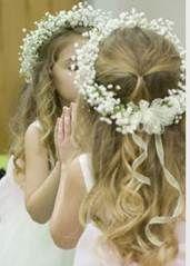 flower girl halo of baby's breath Baby Breath Flower Crown, Flower Girl Halo, Babys Breath Flowers, Babys Breath Crown, Babys Breath Hair, Flower Girl Bouquet, Flower Tiara, Crown Flower, Flower Girl Basket