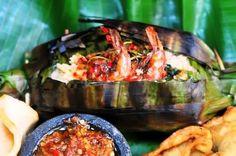 [Resep] Nasi Bakar Isi Udang Kemangi http://www.perutgendut.com/read/nasi-bakar-isi-udang-kemangi/3050 #Resep #Food #Kuliner