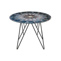 Tafel Laura met sun mosaic in blauw tinten. Blad glas en poten zwart metaal https://www.meubelen-online.nl/Salontafel-Laura-sun-mosaic-print-55cm