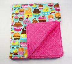 #cupcake #cupcakes #minky #babyblanket #blanket #forkids #kids #handmade #littlesophie avaliable on http://www.littlesophie.pl/pl/glowna/596-kocyk-light-muffiny.html