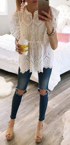 Cool 54 Stunning Ripped Jeans Ideas To Look Rugged. More at https://trendwear4you.com/2018/03/23/54-stunning-ripped-jeans-ideas-to-look-rugged/