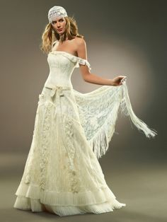 reminds me of a gypsy or pirate wedding =D quite unique Pirate Wedding Dress, Boho Wedding Dress, Bridal Dresses, Wedding Gowns, Gypsy Wedding, Chic Wedding, Wedding Styles, Beautiful Dresses, Nice Dresses