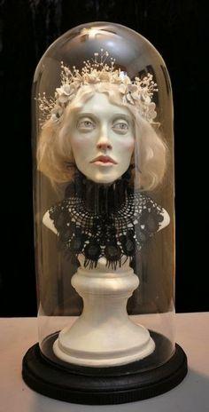As surreais esculturas de Jessica Dalva