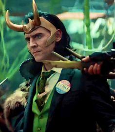 Loki Avengers, Loki Marvel, Marvel Comics, Thomas William Hiddleston, Tom Hiddleston Loki, Marvel Wall Art, Loki Aesthetic, Loki Wallpaper, Marvel Coloring