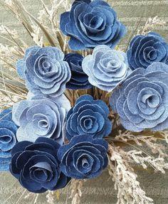 Denim Rose, Denim Flower, Country Wedding, Bouquet Filler, Denim Flower on a Stem - DIY Blumen Denim Flowers, Cloth Flowers, Fabric Flowers, Burlap Flowers, Rustic Flowers, Felt Flowers, Jean Crafts, Denim Crafts, Country Wedding Bouquets