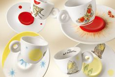 Flowers, butterflies, suns and moons adorn the new illy Art Collection designed by Kiki Smith, inspired by the natural charms of day and night. Coffee Pods, Coffee Set, Kiki Smith, Espresso Cups Set, Ceramic Design, Cupping Set, Contemporary Artists, Tea Cups, Tableware