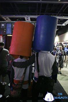 One of the most adorable Castle Crashers cos-play couples we've ever seen. <3 #PAX