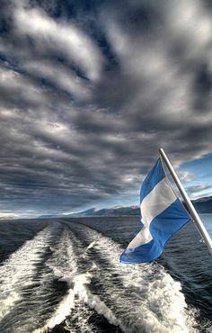El mar y la bandera - Argentina by Monica Guerrero