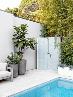 Outdoor Spaces, Outdoor Living, Outdoor Decor, Outdoor Pool Areas, Outdoor Pool Shower, Mini Piscina, Outdoor Armchair, Pool Landscaping, Pool Backyard
