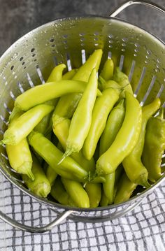 These Quick Pickled Banana Peppers are fast and delicious! Skip the store and make your own at home with this easy peasy refrigerator pickled pepper recipe. Recipes With Banana Peppers, Sweet Banana Peppers, Pickled Banana Peppers, Stuffed Banana Peppers, Stuffed Sweet Peppers, Pickled Onions, Compost, Pickled Pepper Recipe, Cucumber Recipes