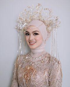 Wedding Beauty, Wedding Makeup, Dream Wedding, Niqab, Wedding Hijab Styles, Muslimah Wedding Dress, Bridal Makeup Looks, Royal Brides, Wedding Preparation