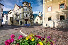 GLORENZA/GLURNS Glorenza, ou Glurns, está situada ao norte da Itália, perto do Tirol e da Áustria. Com menos de 1000 habitantes, a língua falada no local é o alemão.