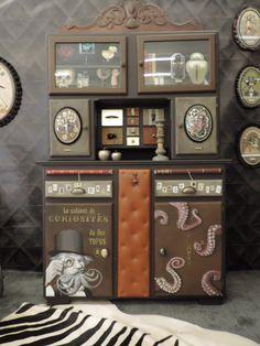 Buffet mado, Cabinet curiosité, Style Steampunk, Meuble vintage, années 50, fifties, MamZelle Térébenthine, Meuble peint, relooké. Meuble personnalisé.Un curieux buffet...