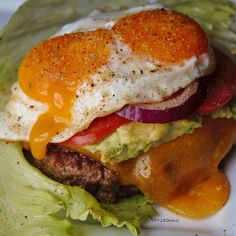 #sundaynightguacburgers deliciousness! We took 1 lb. of our 5280 Beef® Hamburger and added @flavorgod 'Chipotle' seasoning. We cooked everything tonight in a @lodgecastiron skillet with @omgheebutter. We added guac, cheddar cheese, tomato, red onion & a lucky double-yolk runny farm-fresh egg with a few more shakes of @flavorgod Chipotle!