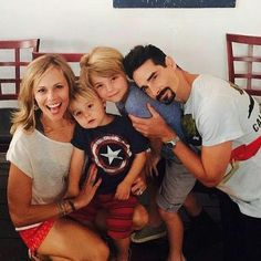 Good morning my #bsbfriends   happy #specialkmonday  Hope you had a wonderful weekend. Wish you a good start in the new week. So beautiful richardson family  #kevinrichardson #backstreetboys #bsb #goodmorning