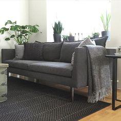 Heidi Risku | Musta tuntuu  Our #livingroom. Maybe new #curtains for autumn?  #athome #homeinterior #home #myhome #interior #nordicinterior #nordicliving #nordichome #iphonephoto #nocurtains #eiverhoja #olohuone #koti #minunkotini #sisustus #kodinsisustus #matto #carpet #vmcarpet #sohva #sofa #adea #huopa #blanket #lapuankankurit #musta #mustatuntuu #tikkurila