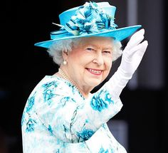 Queen Elizabeth II Carries Cash Only on Sundays: Find Out Why and How Much
