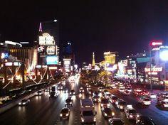 Las Vegas, capital mundial del juego, no te la podés perder, ya podés empezar a planear tu viaje de amigos, pareja o familia en viajesvolare.com Good Luck! ;)