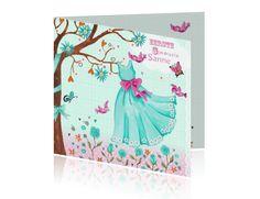 Uitnodigingskaart 1e communie meisje met licht blauw jurkje aan boom