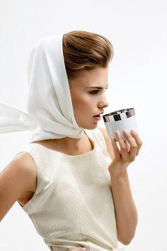 Desire – Sieger by Fürstenberg. Champagnerbecher aus Porzellan, innen Platin. Champagne tumbler made of porcelain, platinum.