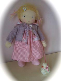 waldorf doll  poupée  puppe  Trop mignonne !!