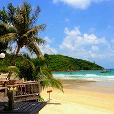 Aoprao Beach, Samed Island, Thailand by Sunantha