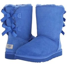Pre-owned Ugg Australia Bailey Bow Blue Boots ($190) ❤ liked on Polyvore featuring shoes, boots, blue, ugg australia, embellished boots, blue color shoes, embellished shoes and fur lined boots