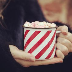Mmmmmarshmallows in hot chocolate, just the thing after a winter walk. #marshmallow #hotchocolate #mugs #comfortfood #cuppa