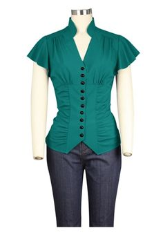 Chic Star Plus Size Victorian Green Blouse Gorgeous plus size Victorian inspired blouse from Chic Star! This beautiful dark turquoise blouse features a flattering v-neckline, ruched panelling, contrasti. Alternative Mode, Alternative Fashion, Green Blouse, Black Blouse, Vintage Inspired Fashion, Gothic Outfits, Red Blouses, High Collar, Corsage