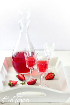 Strawberrry Liqueur for the Strawberry Panna Cotta Recipe    1 1/2 cups Rose Wine; 1 Cup Sugar;   1.5 Pts. Strawberries; 1/2 Cup Vodka (conversions)
