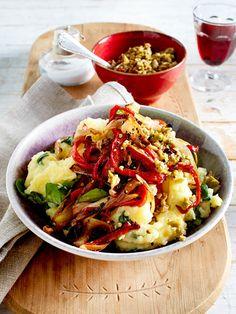 Zu Weihnachten hat sich das Kartoffelpü mti frischem Feldsalat, Paprika und Chicorée aufgebrezelt.