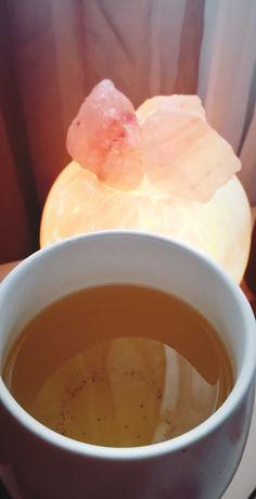 Time to SIP to keep warm.. Always Tea time around here.. Morning Afternoon and Night : 🌐 Beestea.ca 👈🏽 : #beessoulteez #siptea #tealoversunite #staywarm #saltlamp #teamug #oolongtea #saturdayvibes #iamlearning #allofme #takeitorleaveit #meditations Oolong Tea, Loose Leaf Tea, Tea Mugs, Tea Time, Warm, Night, Ethnic Recipes, Food, Tea Cups
