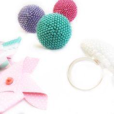 We on Facebook: http://ift.tt/2jRHDjd Beautiful Beaded Jewelry #underbeads by @underbeads Check our #AmazingPhoto WEBSTA: Dopo mesi di mani rintanate tra guanti e tasche calde... finalmente il sole  e tanti tantissimi anelli firmati Fe Creazioni pronti per colorare la vostra Primavera   E n j o y Y o u r S p r i n g  #fe_creazioni #handmadejewelry #jewelrydesigner #magiediperline #madeinturin #madeinitaly #beadedjewelry #fashionjewelry #fashionista #gioielliartigianali #crochetaddict #ring…