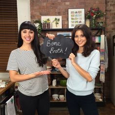 Watch our Hemsley + Hemsley step-by-step video guide to making the perfect Bone Broth! Helmsley And Helmsley, Lactose Free Recipes, Gluten Free, Dairy Free, Eating Raw, Clean Eating, Healthy Eating Recipes, Healthy Food, Healthy Style