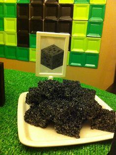 Idea para un dulce para una fiesta minecraft: bloques de piedra, de barras de krispies! / Idea for a Minecraft party snack: stone blocks made with krispie bars!