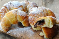#Cornetti soffici con pasta madre alla #nutella