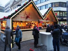 Düsseldorf Christmas market with lots of stands selling mulled wine!
