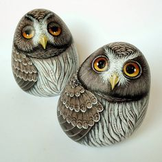 "290 Likes, 28 Comments - Bricioledimare (@armariannamaria) on Instagram: ""#gufi #owls #painter #paintingstones #pebbleart #handmade #fineart #unique #instagood #instadaily…"""